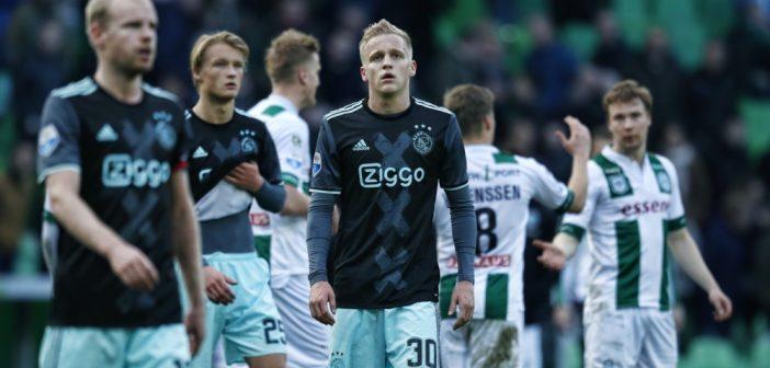 Het voetbalweekend in vogelvlucht: Ajax profiteert niet van misstap Feyenoord