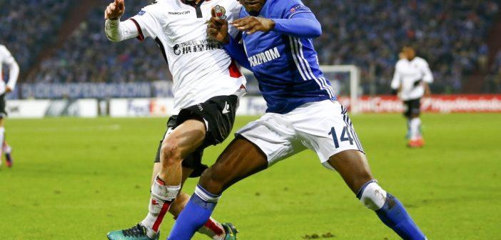 Schalke wil langer door met back